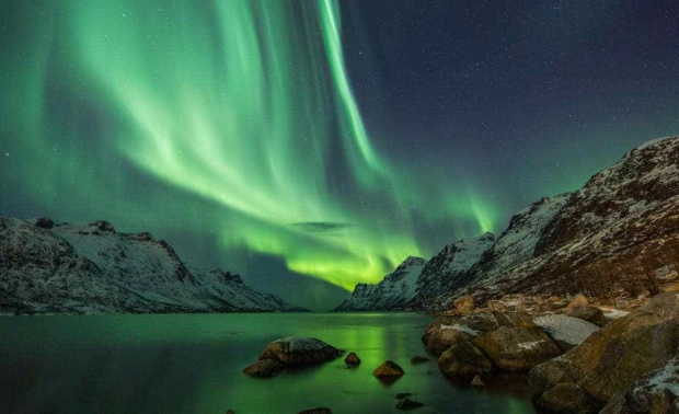 norway-tromso-northern-lights-xlarge.jpg